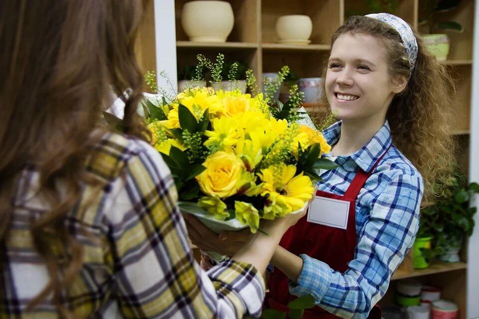 персонал цветочного магазина